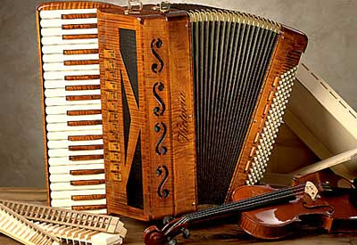 Acoustic wood accordion by Victoria Accordions