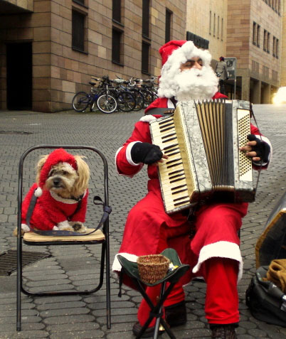 Accordion Santa and his dog